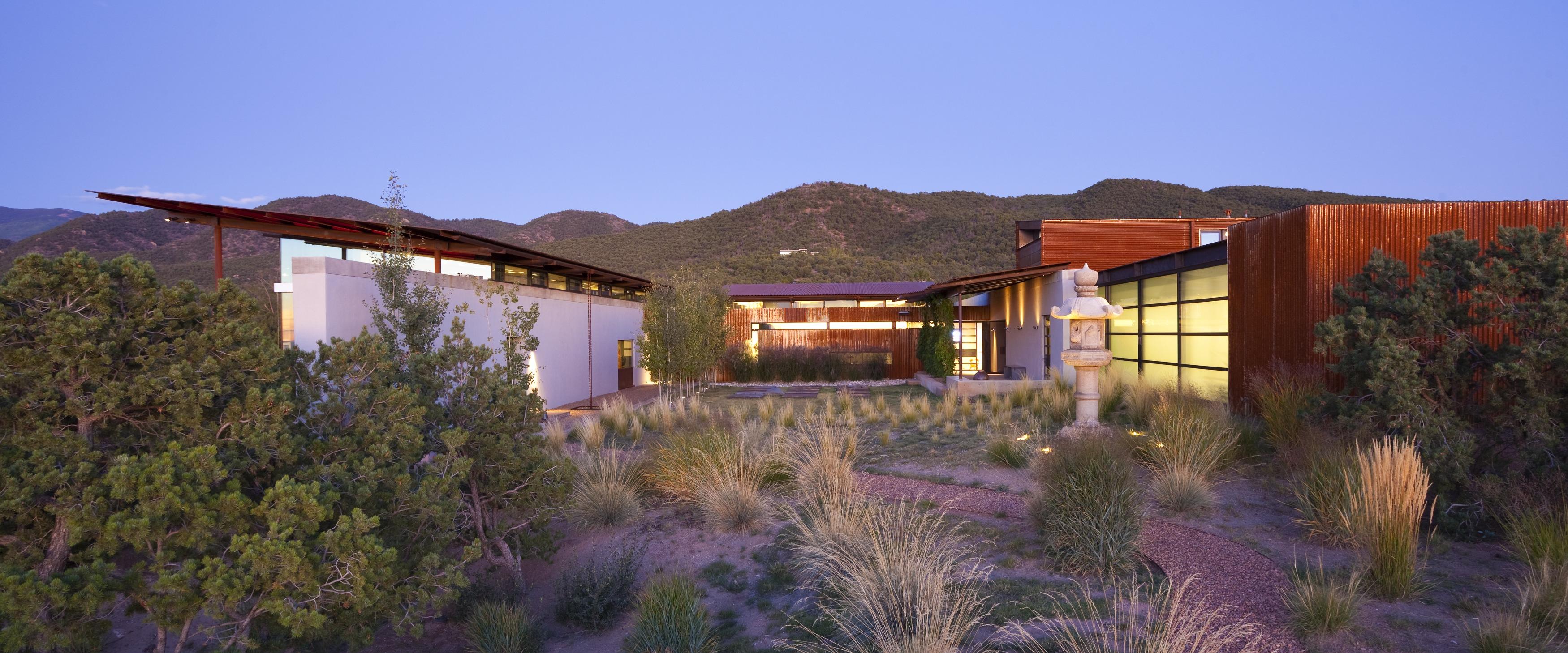 Desert house lake flato for Modern house 48