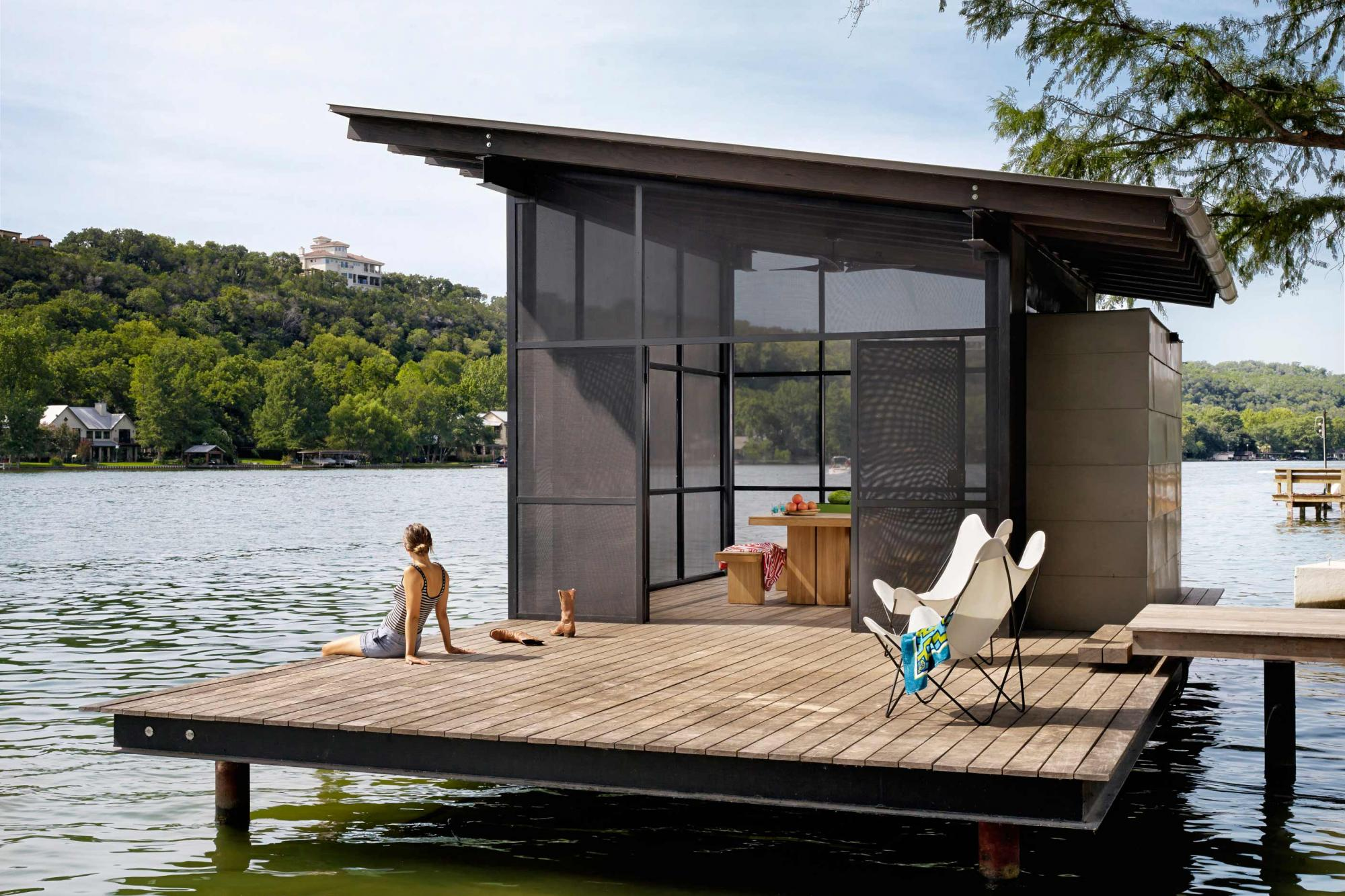 Situated at the confluence of Hog Pen Creek and Lake Austin, a screened pavilion by the water's edge provides a place that evokes the playfulness of summer on the lake.
